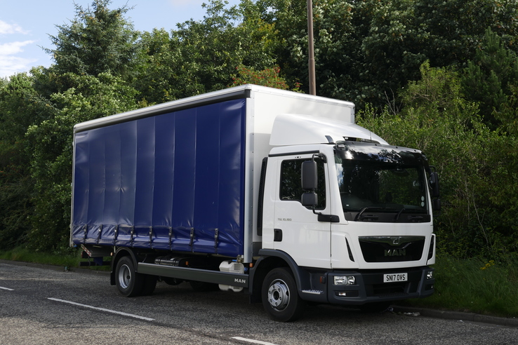 Slider sn17ovs man tgl 10.180 curtainsider