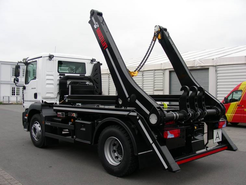 Index multilift man truck